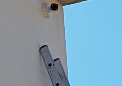Caméra vidéosurveillance extérieur villa Corse